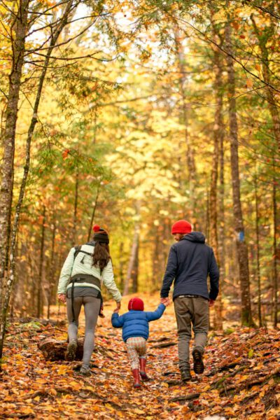 Maine-family-hiking-fall